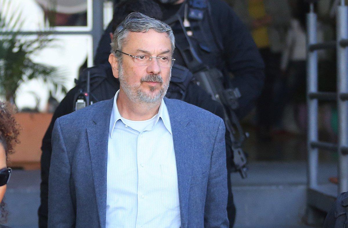 @portaljovempan: Palocci: PT recebeu R$ 50 milhões na anulação da Castelo de Areia https://t.co/WeOYdEOm6p