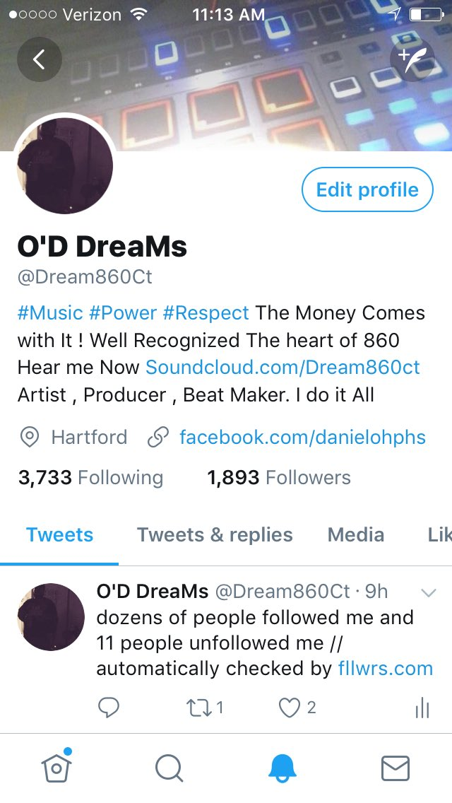 NEARLY 1000 FOLLOWERS IN ONE DAY FOLLOW EVERYONE WHO RETWEETS &amp;LIKES THIS .   http://www. soundcloud.com/dream860ct  &nbsp;     #FOLLOWParty #FREEFOLLOWERS #RT#IFB <br>http://pic.twitter.com/B3FI9CF2Fp
