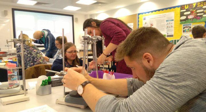#dundeeuni are pioneering a new scheme to address Scotland&#39;s shortage of #STEM teachers  http:// uod.ac.uk/2wYXmAA  &nbsp;   #UoDedu<br>http://pic.twitter.com/zhJPbDUND1