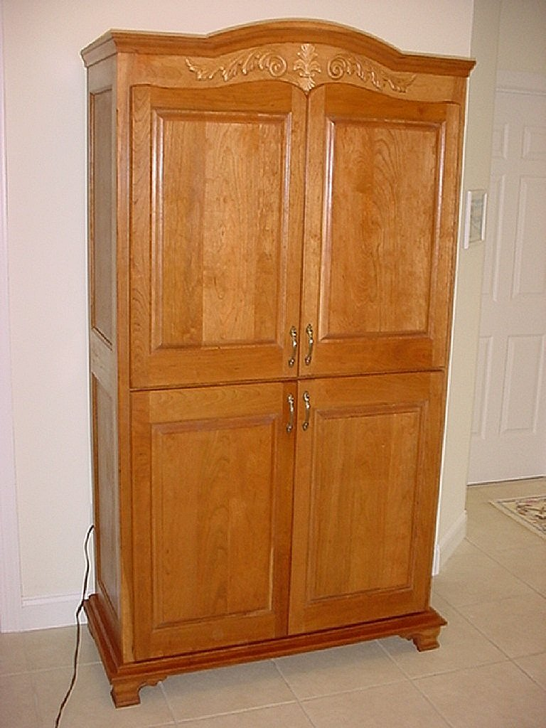 Completed a large cherry armoire for a local customer. #etsy #etsyseller #furniture #homedecor #handmade   http:// etsy.com/shop/keatingwo odcraft &nbsp; … <br>http://pic.twitter.com/lK0gOS3upY