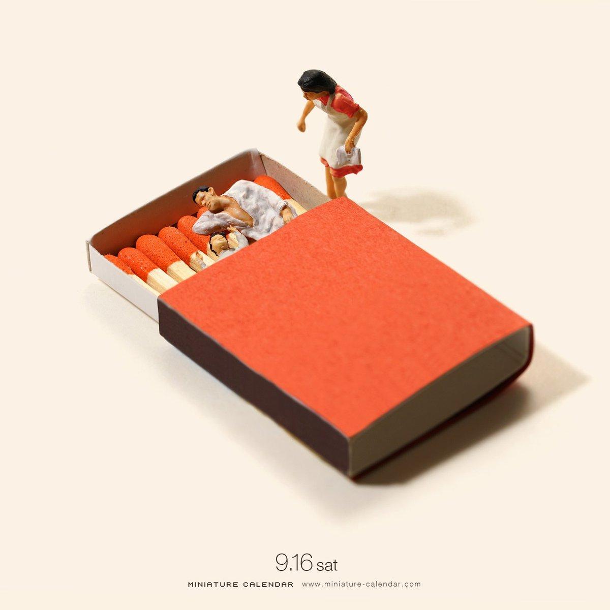「早く起きなさい。寝坊するわよ」 「もうちょっとマッチ!」   #マッチの日 #マッチ箱 #ベッド