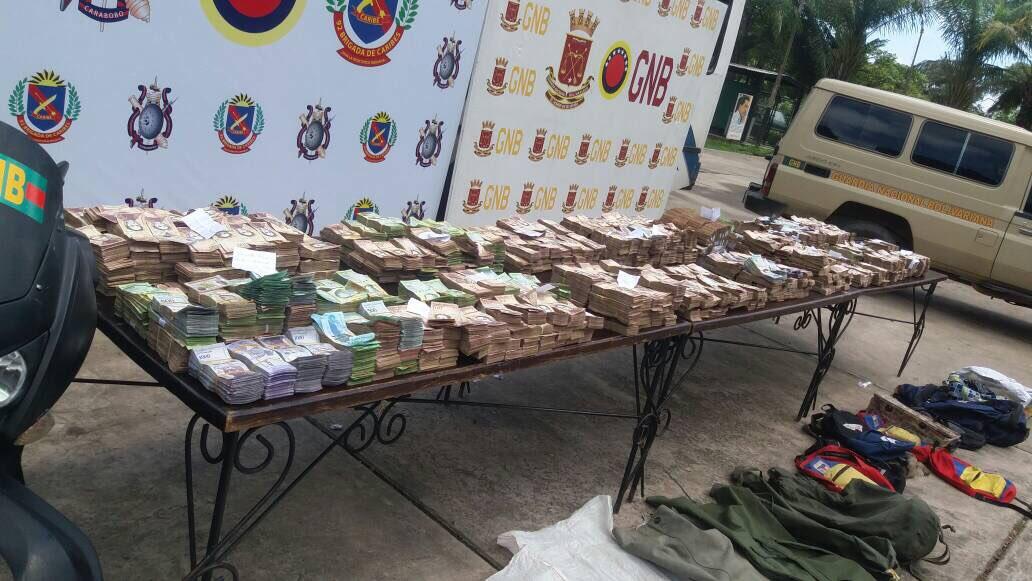 TodosSomosChávez - Venezuela, Crisis economica - Página 17 DJyE46FWAAAa9Kp