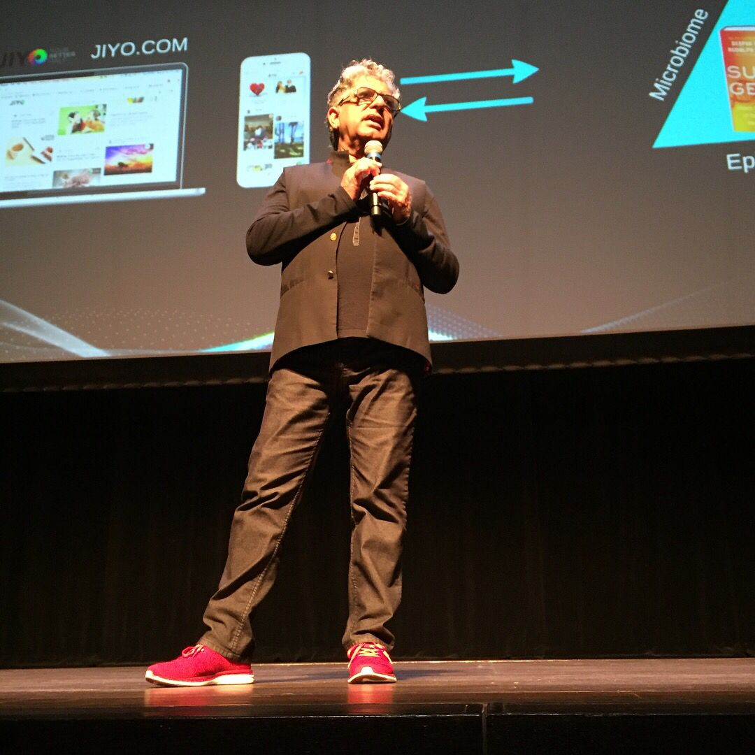 Yes those famous red sneaks were right at eye level, front row center. Fantastic lecture from the brilliant #DeepakChopra @DeepakChopra<br>http://pic.twitter.com/8tnf8Zo0xF