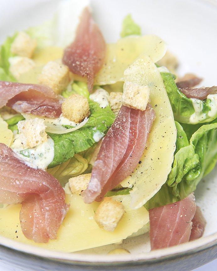Con vegetales y verduras del huerto, realizamos las ensaladas que aportan sabores frescos y ligeros a los #DomingosEnAlto