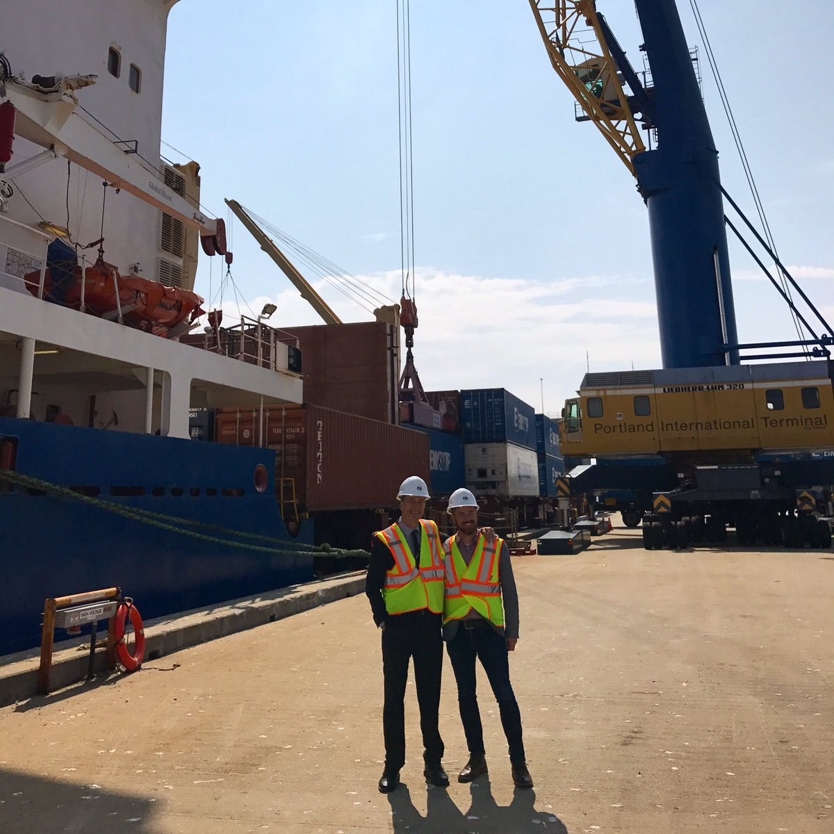 Thanks to Patrick Arnold, CEO of the New England Ocean Cluster &amp; a good friend to #UNE, for showing me around. @NEOceanCluster #Eimskip<br>http://pic.twitter.com/5TLxknG7dz