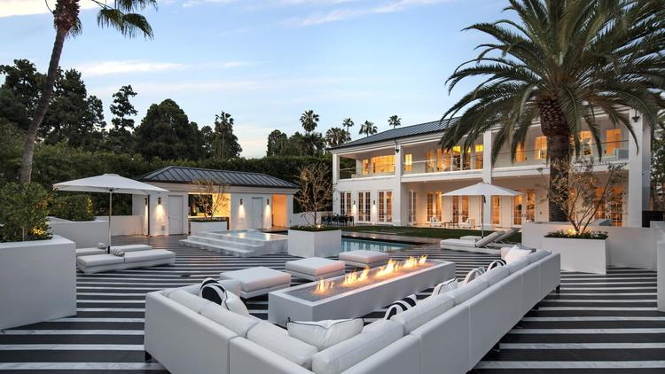 Floyd Mayweather Jr. drops $25.5 million on new mansion in Beverly Hil...
