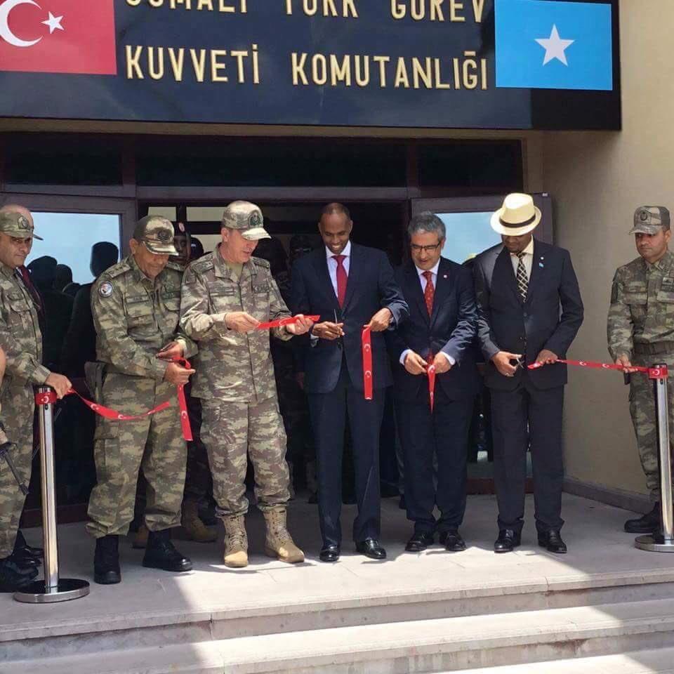 تركيا تفتتح أكبر قاعدة عسكرية خارج حدودها DK-KEcjX0AA2XqM