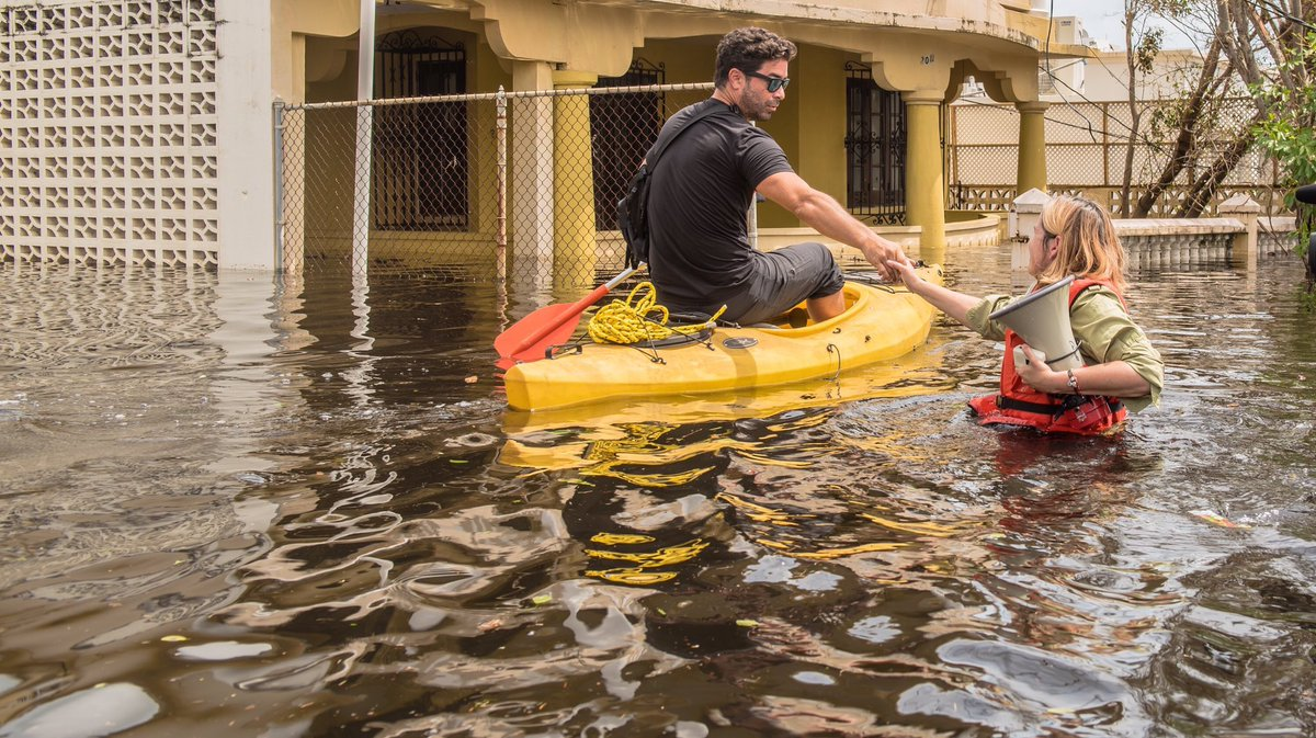 Dear ,  While you tweet from your golf club, the Mayor of San Juan is saving lives. You've done NOTHING.  Sincerely, America
