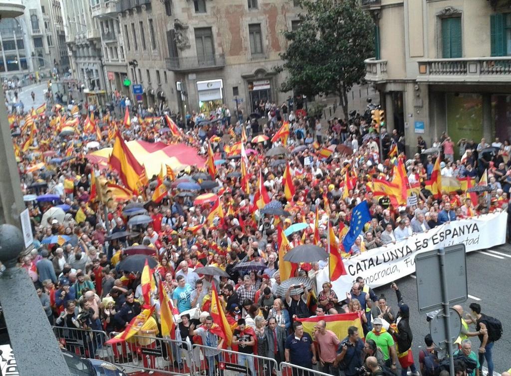 Porque no estamos solos, porque todos somos uno, porque todos somos España, por nuestra Democracia, por la legalidad... #EstamosporTI