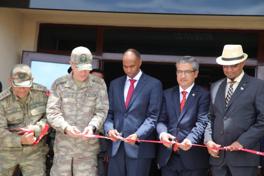 تركيا تفتتح أكبر قاعدة عسكرية خارج حدودها DK-pEjyVAAAIYDv