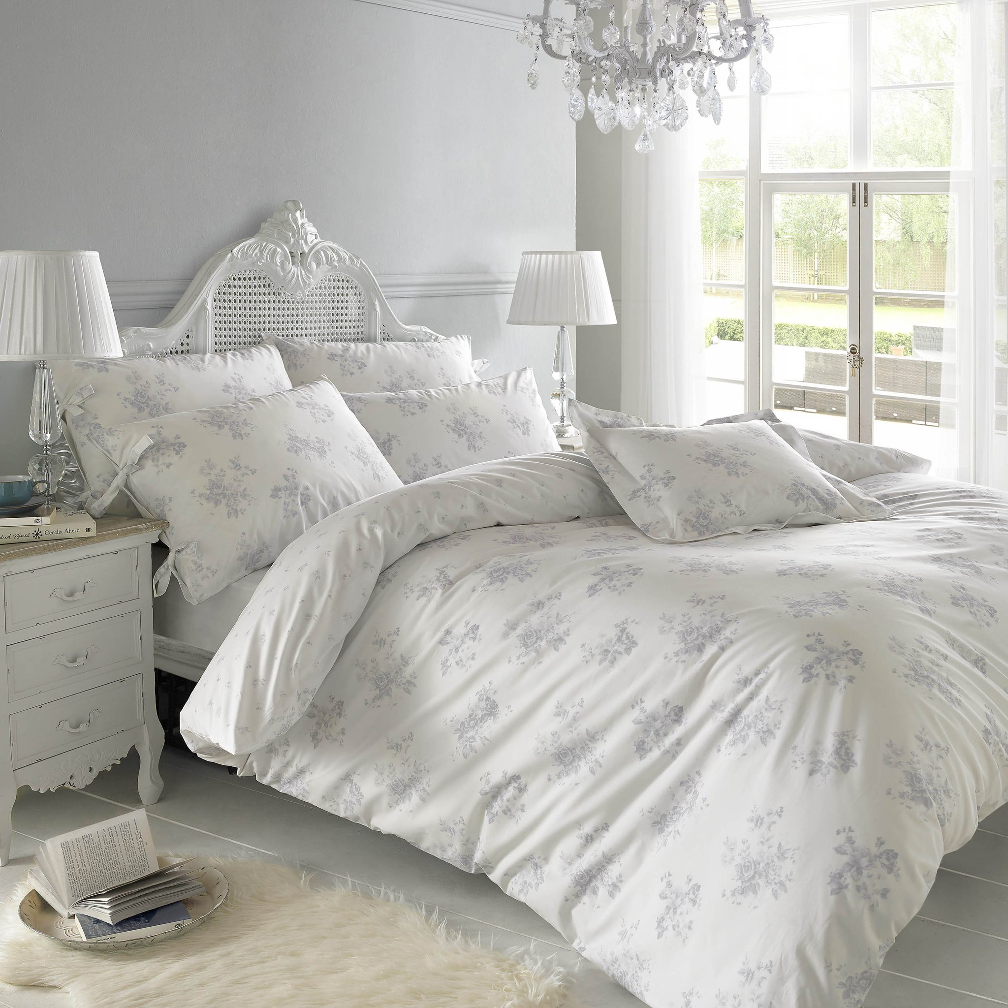 Can I please do This Morning from this bed @DunelmUK?! xx https://t.co/PhmNCPqd6D #ad https://t.co/MiLKTDiQln