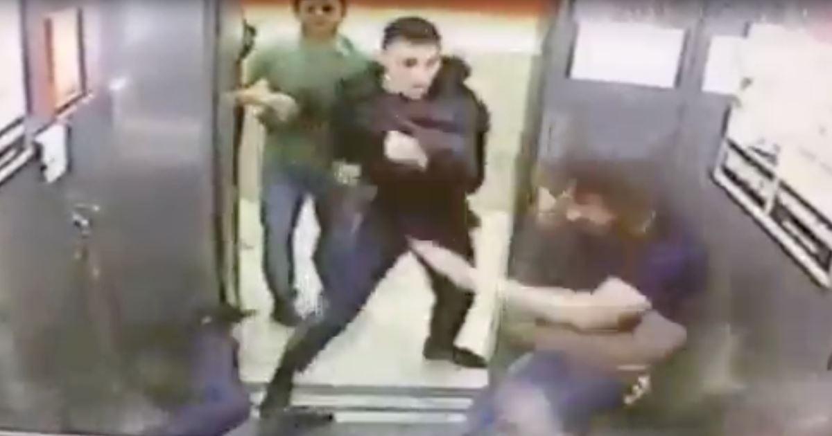 пацана отодрали в лифте видео - 5