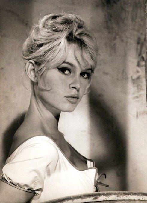 Happy birthday, Brigitte Bardot .