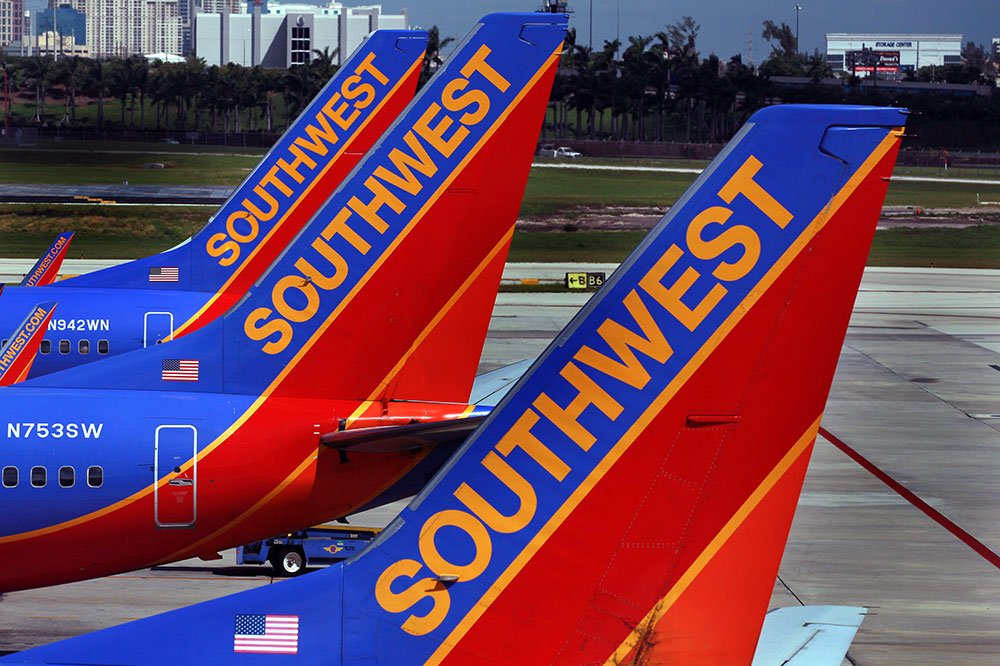 It happened again: Another passenger was dragged off a plane. #SouthwestAirlines  https://t.co/zBy2xU0KyF