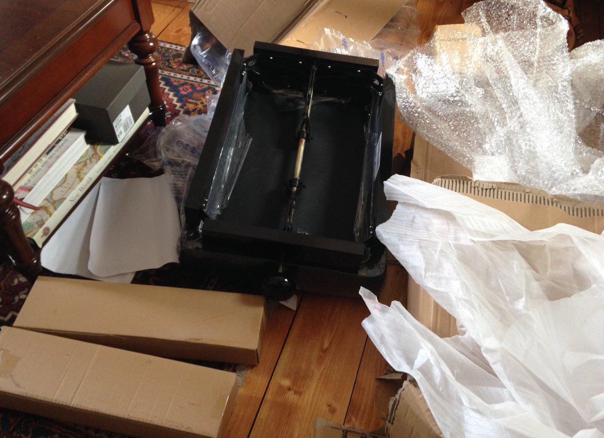 Phenomenal Anyssa Neumann On Twitter Big Day I Got A New Piano Bench Creativecarmelina Interior Chair Design Creativecarmelinacom