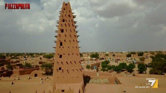 Risultati immagini per Piazzapulita i trafficanti di uomini del Niger