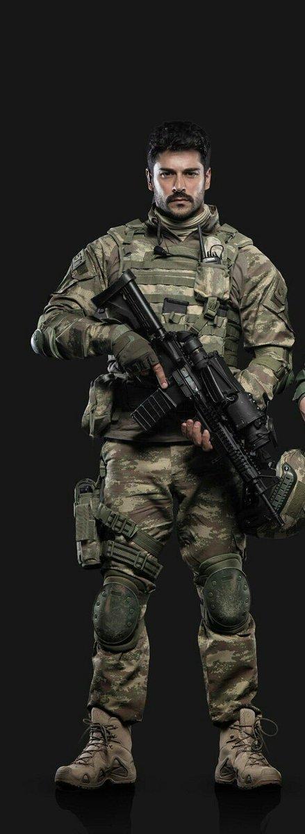 Gözde On Twitter Burak özçivit Gerçek Bir Türk Askeri Gibi
