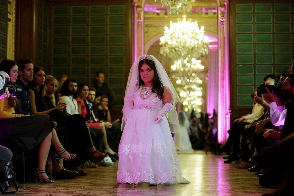 68d7dbc7564b dwarf fashion show ( DwarfashionShow)