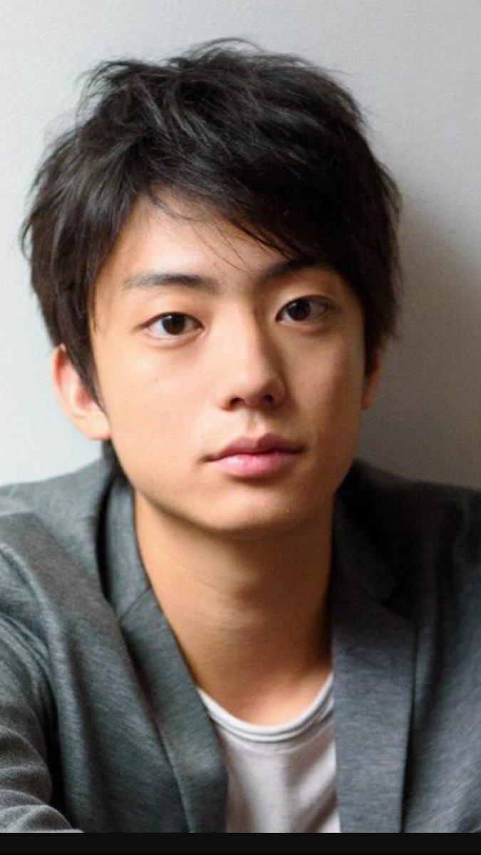 2番手男子俳優 健太郎 さん(20) 「若い頃の小栗旬に似てる!」  って思ったのは私だけでしょうか、、、(^,^)pic.twitter.com/OV3ej3EtoX