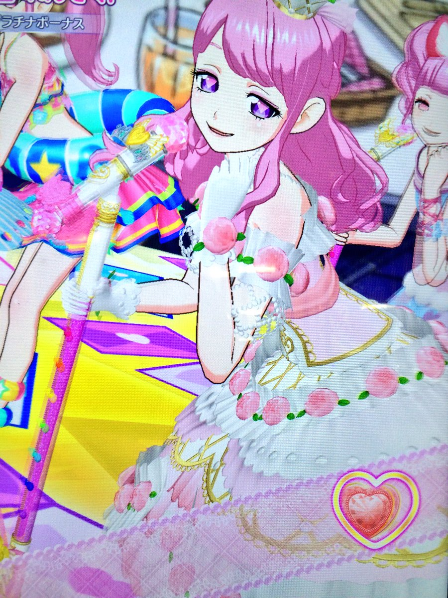 ピンク髪アイドルがピンクの衣装着てるライブはなんどやってもたのしい  よみぃくんとをるちゃんがポリスナースなのがこだわり