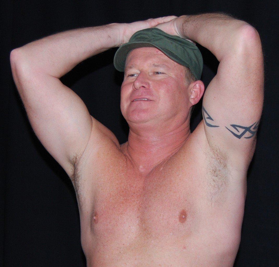 My Army gym buddy from  http:// GlobalFight.com  &nbsp;   #army #gym #workout #buddy #training #partner #armpits #sweaty #daddy #daddie #flexing #hunks<br>http://pic.twitter.com/7BFoWjuJrf