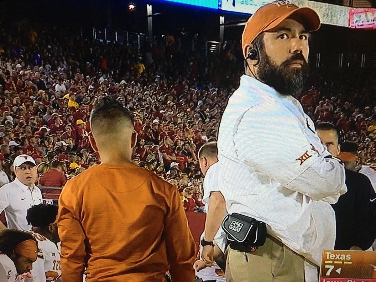 Don't mind me I'm definitely not Sam Bradford on this Texas sideline. https://t.co/GetvagsxrX