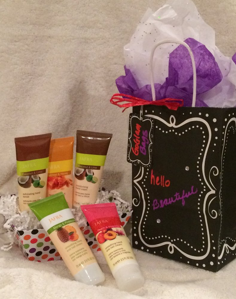 #spathursday Natural Bliss Limited Release Hand Care Collection ((thru Sep 30 wsl)) #goglambags #royaljelly #acnecare #handcial #handcare<br>http://pic.twitter.com/lYn1leHkch
