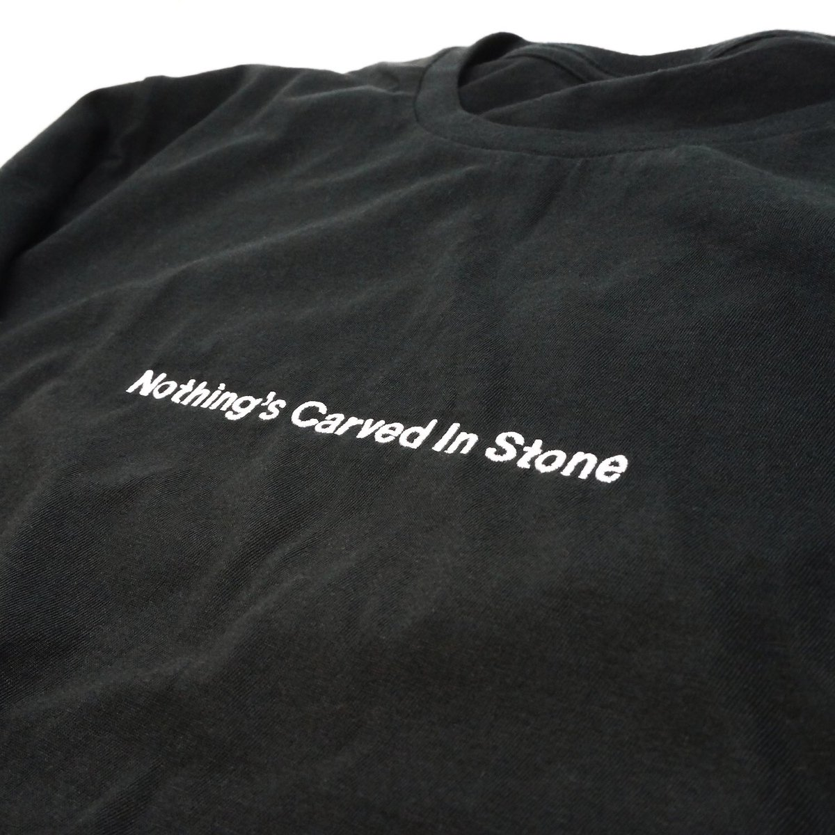 [GOODS情報]10/1からの「Hand In Hand Tour」より下記の新GOODSを販売いたします。 Hand In Hand Tシャツ SIZE S/M/L/XL ¥3,000 ※FRONTは刺繍です
