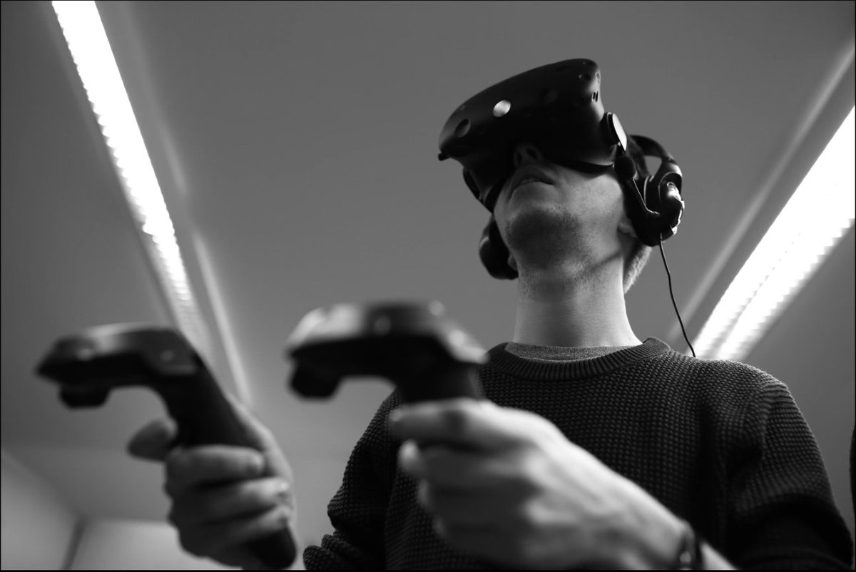 T Quandt tries to improve paralysed patients&#39; life w virtual reality. He wanted to be a musician #EUresearchcareers  https:// erc.europa.eu/10years10portr aits/stories.html#stories08 &nbsp; … <br>http://pic.twitter.com/VIA2tFTq7K