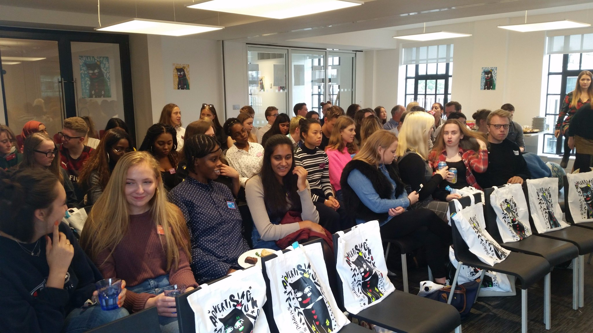 RT @ideasfoundation: A fantastic turnout for #adunlocked at @PublicisLondon from @oaklandscollege! @The_IPA https://t.co/mBRef2OamT