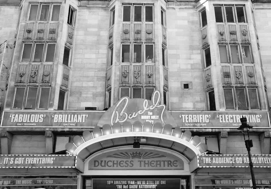 70 years ago this year #PatrickMacnee, joined the Four Seasons Theatre Company, based at the #DuchessTheatre in #London&#39;s #WestEnd WC2B<br>http://pic.twitter.com/Kv9Rm0TqgL