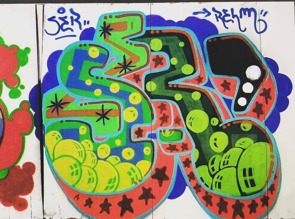 Ser by Relm AOK on the old #FunnyGarbage roof . #relmaok #relmk2s #newyorkgraffiti #graffiti #wildstyle #funtimes #artcrimes #sprayst #spra… <br>http://pic.twitter.com/dWWNyk8Szo
