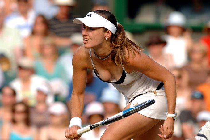 Happy Birthday to Martina Hingis, who turns 37 today!