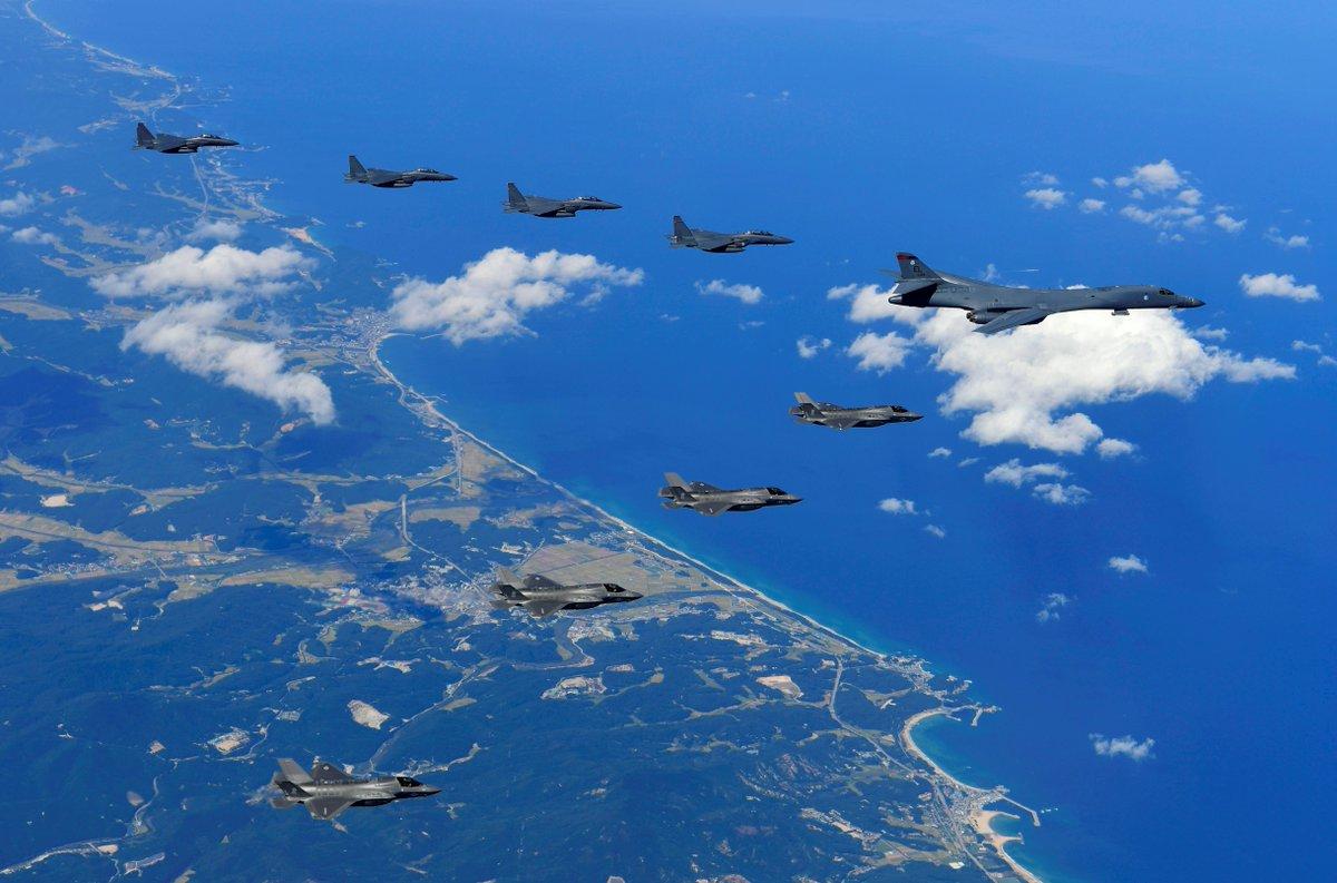 Com caças e bombardeiros, EUA fazem simulacro de ataque na península coreana - https://t.co/M0uECa011A