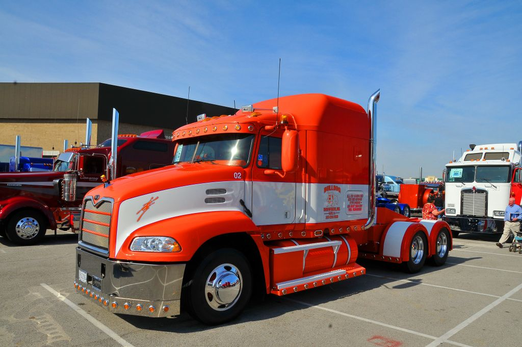 It&#39;s a #Mack truck on our page!  Take a look at this beauty!  @macktrucks #chrome #truck #trucks #bigrig #largecar #jackschrome #longhaul<br>http://pic.twitter.com/cAr2vbO61m