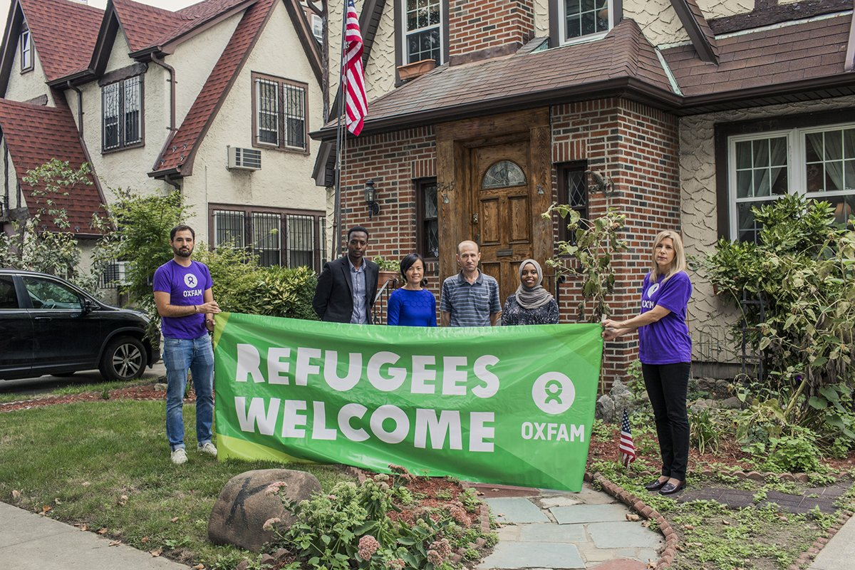 Ahead of President Trump&#39;s speech to the UN, we welcomed #refugees to his childhood home to tell their stories:  http:// oxf.am/2yhKCWh  &nbsp;  <br>http://pic.twitter.com/qrVTE4SATY