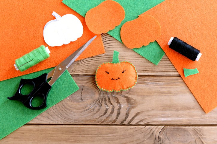 What are the top 4 #craft supplies you need for #Halloween crafting? Find out in our blog!  http:// witchywoocrafts.co.uk/top-4-hallowee n-craft-supplies &nbsp; … <br>http://pic.twitter.com/qcJ660AD56