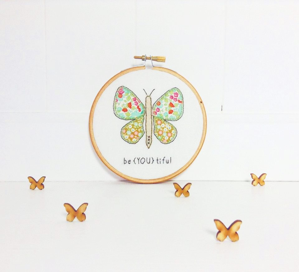 Evening #creativebizhour how has your day been? I&#39;ve been busy having a clear out of my #craft space....nice &amp; tidy now but for how long?  <br>http://pic.twitter.com/0NvfIAW6of