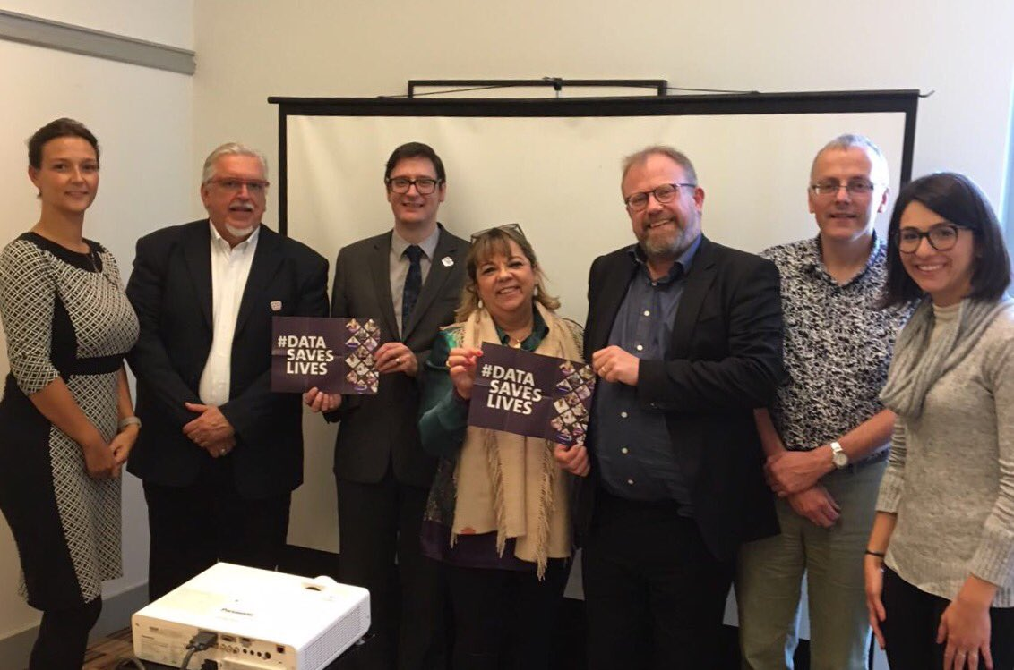 Brazilian delegation meets The Uni of Manchester to talk about how health data can improve health services for patients #datasaveslives <br>http://pic.twitter.com/3iJ6Cp7wnZ
