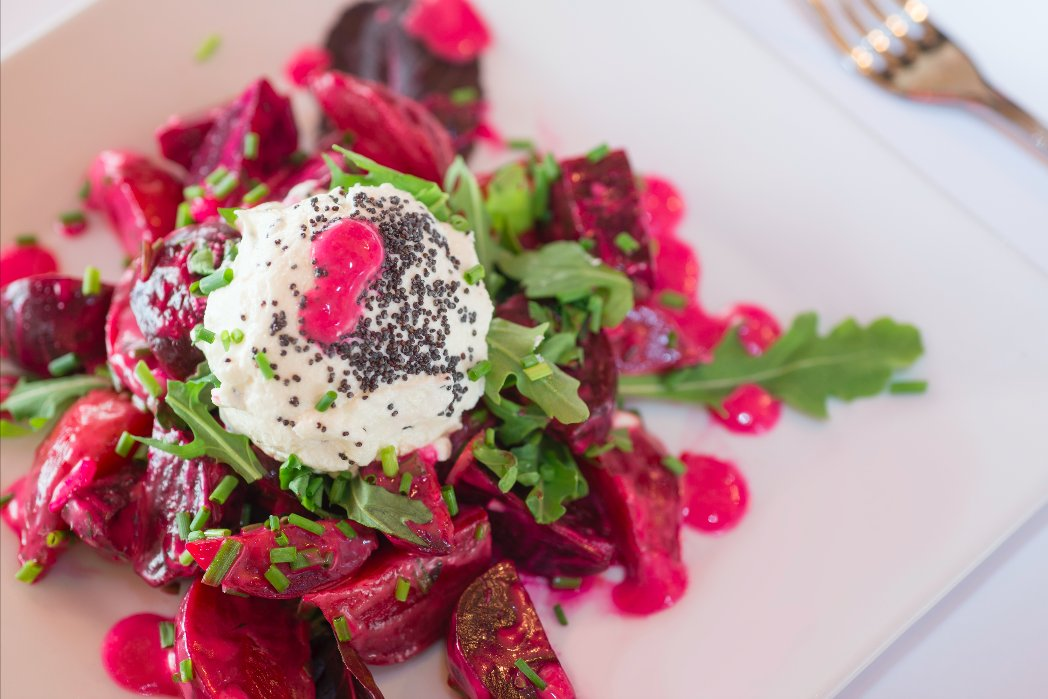 You can&#39;t beet this lunch choice  Light, healthy &amp; fresh. #jacques #brasserie #uptown #uppereatsside #foodie<br>http://pic.twitter.com/e5iH5HcQjW