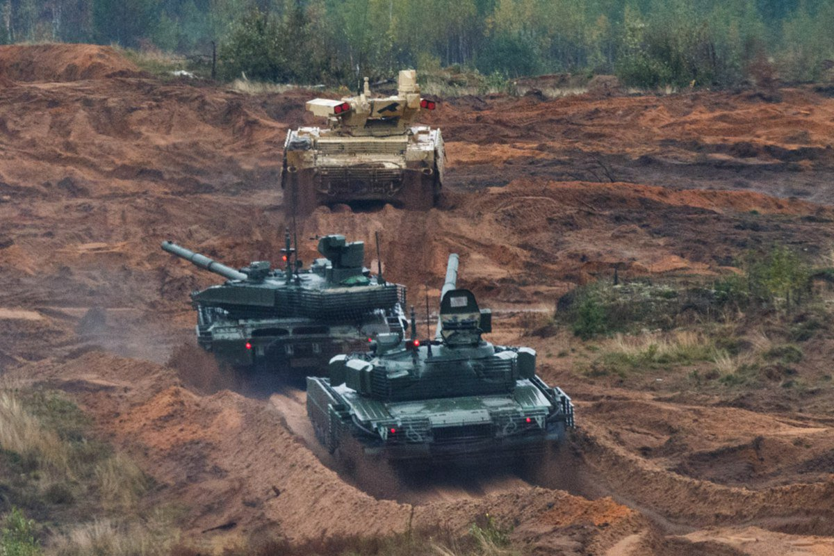 The T-80s future in the Russian Army - Page 7 DKBdES1W0AEi9F2