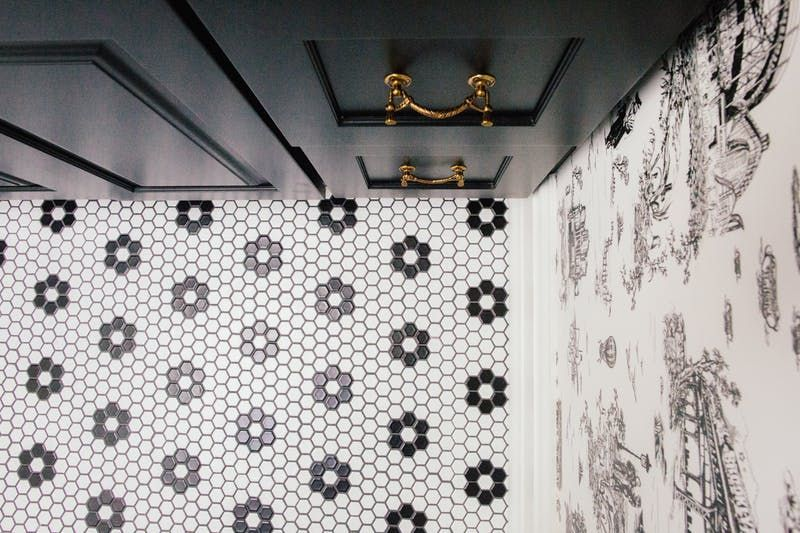 How To Create a Timeless Classic Chic #Bathroom  http:// buff.ly/2weqTF6  &nbsp;   #homedecor #blackandwhite<br>http://pic.twitter.com/HJ0DVPHeEI