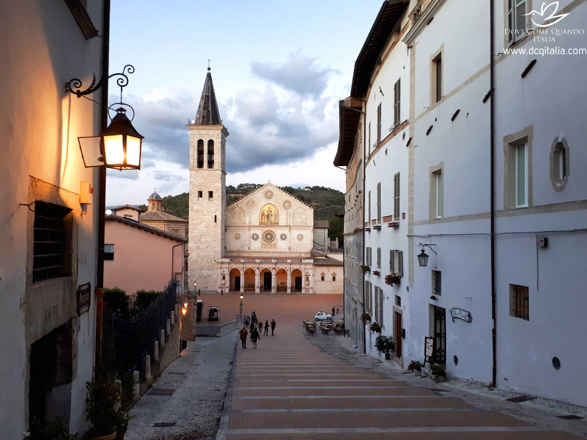 Have a walk in medieval #Spoleto  in #Umbria region! Typical #craft shops and nice restaurants are creating unique atmosphere #dcqitalia <br>http://pic.twitter.com/w0vS2KL868