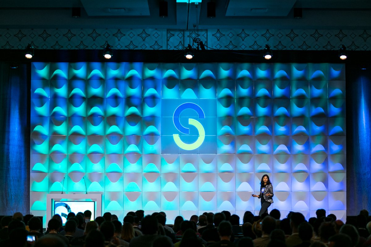 Keynote videos from last week&#39;s Open Source Summit in Los Angeles are now available at  http:// bit.ly/2wgdpgB  &nbsp;    #OSSummit <br>http://pic.twitter.com/El1xSZcjRB