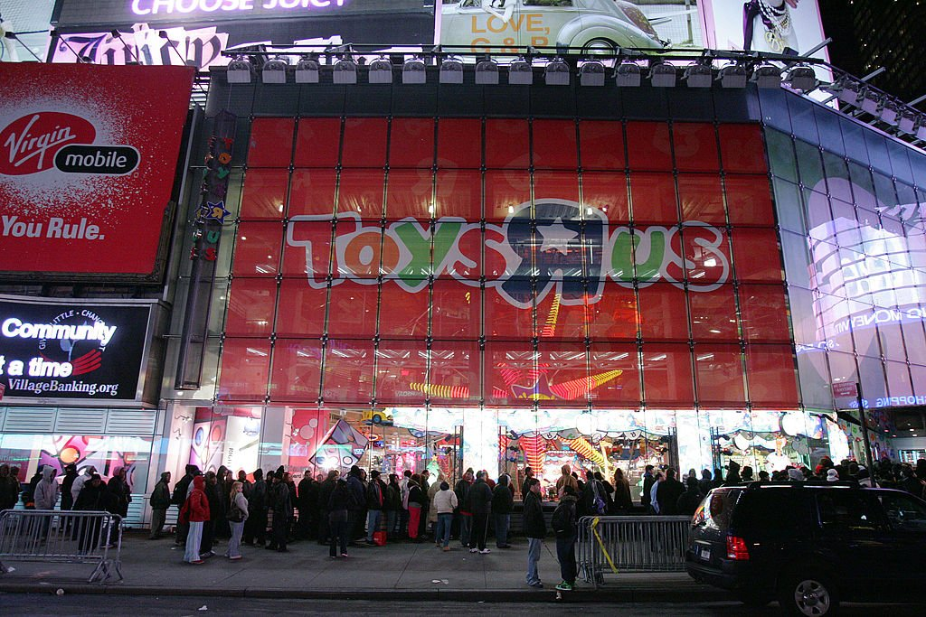 BREAKING: Toys 'R' Us plans bankruptcy filing as soon as today https:/...