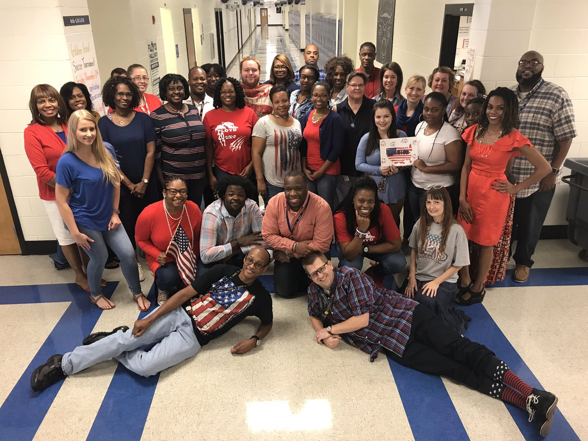 """Dr. Bethany Harrison on Twitter: """"Floyd Middle School celebrating  Constitution Day in our red, white, and blue! @TeresaHargrett @Cobb_SS  #cobbcon17… """""""