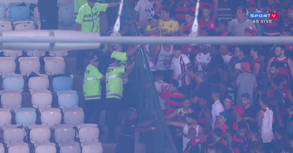 Invasão de setores do Maracanã | Fla recebe multa de R$ 40 mil por tumulto em final da Copa do Brasil https://t.co/zcVt3A3aY9