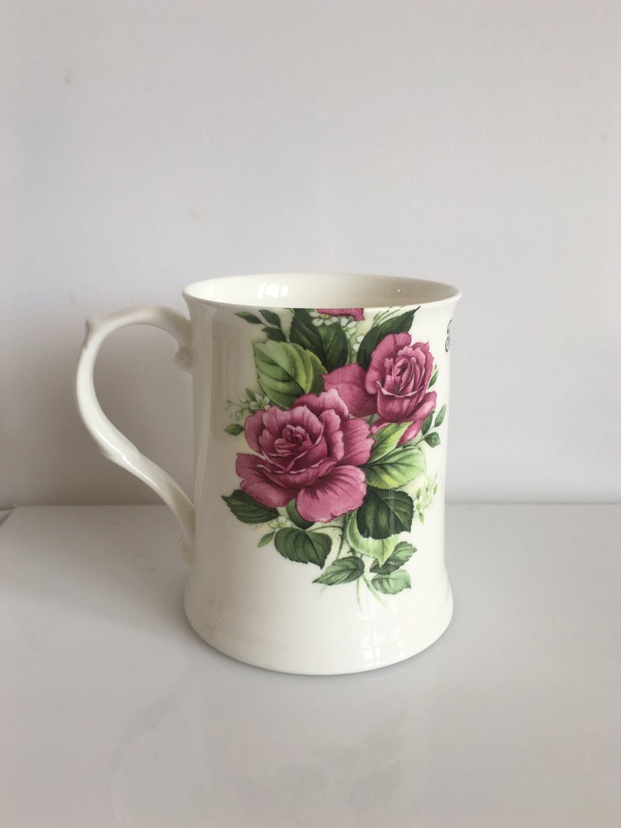 Who is interested in some amazing Outlandish Creations - all perfect! This is only £15 plus postage. Say buy now! #tosser #mug #ceramics<br>http://pic.twitter.com/cH8jIwMEos