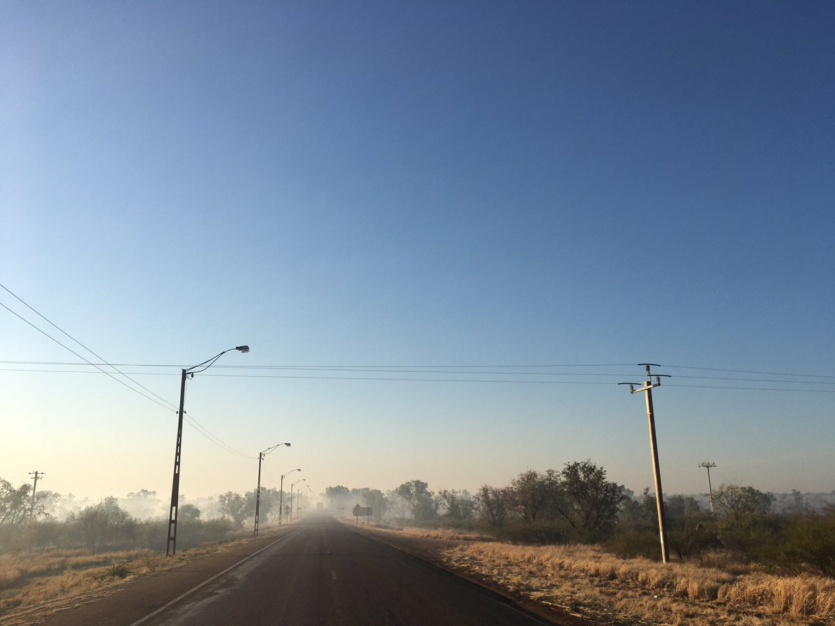 Today&#39;s sunrise disguised as sunset with help for the abundant smoke + game of spot the truck. #fitzroycrossing #firewatch #AnotherdayinWA <br>http://pic.twitter.com/7N5NeWbVNP