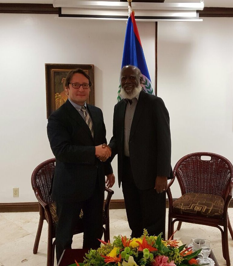 Thank you Minister #WilfredElrington for receiving me and our enlightening exchange on bilateral and regional issues #Caricom #UE #CELAC<br>http://pic.twitter.com/q1VJJUxhYp